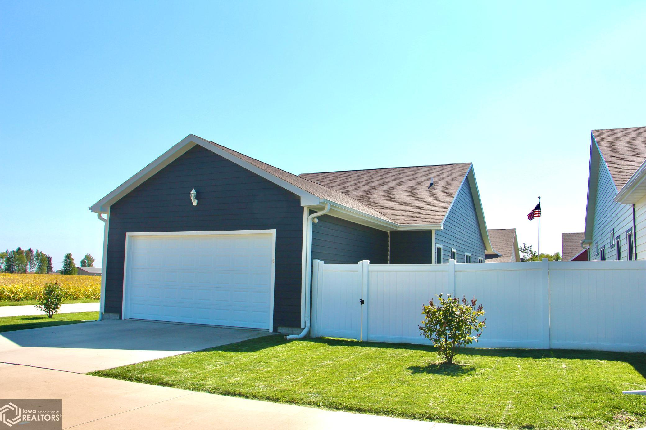 6 Garden Cottage, Grinnell, Iowa 50112-2302, 3 Bedrooms Bedrooms, ,1 BathroomBathrooms,Single Family,For Sale,Garden Cottage,6101509