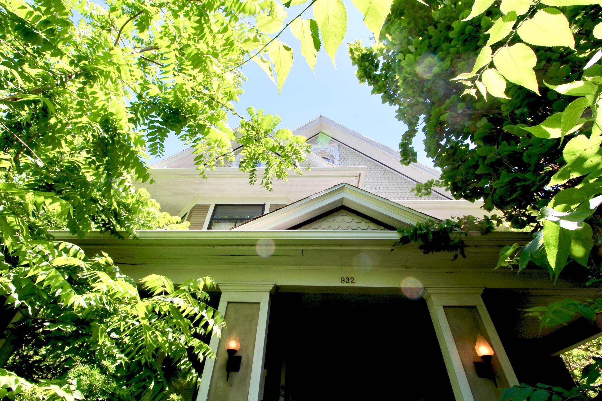 932 Elm, Grinnell, Iowa 50112-2035, 4 Bedrooms Bedrooms, ,2 BathroomsBathrooms,Single Family,For Sale,Elm,5611532