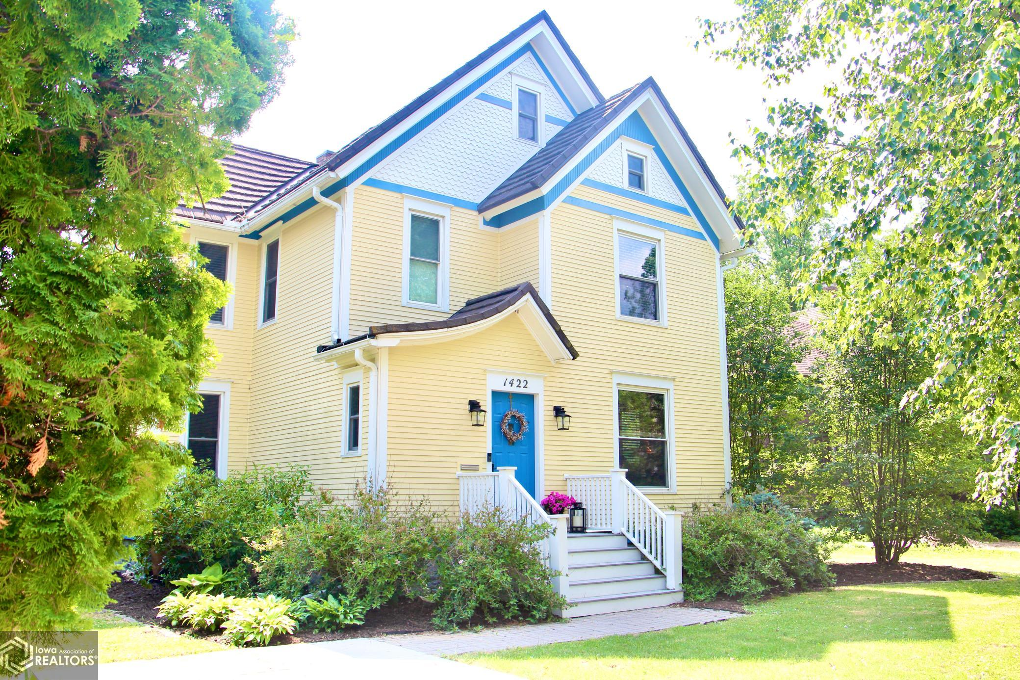 1422 Broad, Grinnell, Iowa 50112-1421, 5 Bedrooms Bedrooms, ,1 BathroomBathrooms,Single Family,For Sale,Broad,6010540