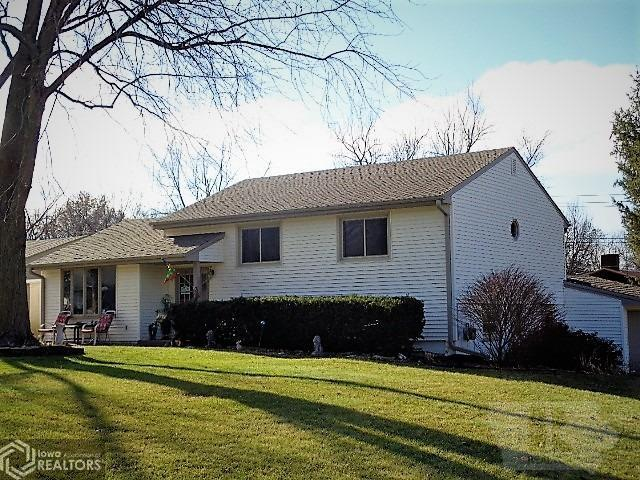1723 Spencer Street, Grinnell, Iowa 50112, 4 Bedrooms Bedrooms, ,1 BathroomBathrooms,Single Family,For Sale,Spencer Street,5463554