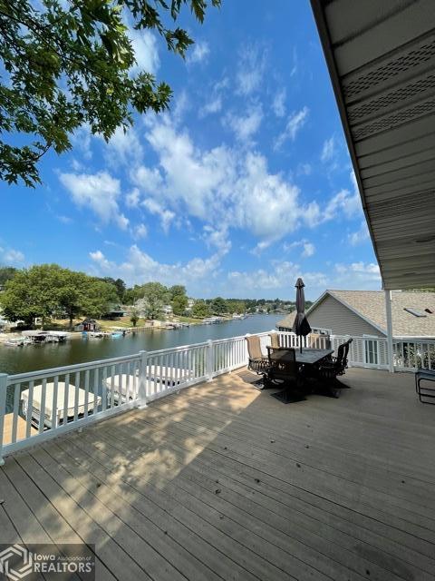 1008 Lakeshore, Brooklyn, Iowa 52211-9536, 2 Bedrooms Bedrooms, ,1 BathroomBathrooms,Single Family,For Sale,Lakeshore,6087564