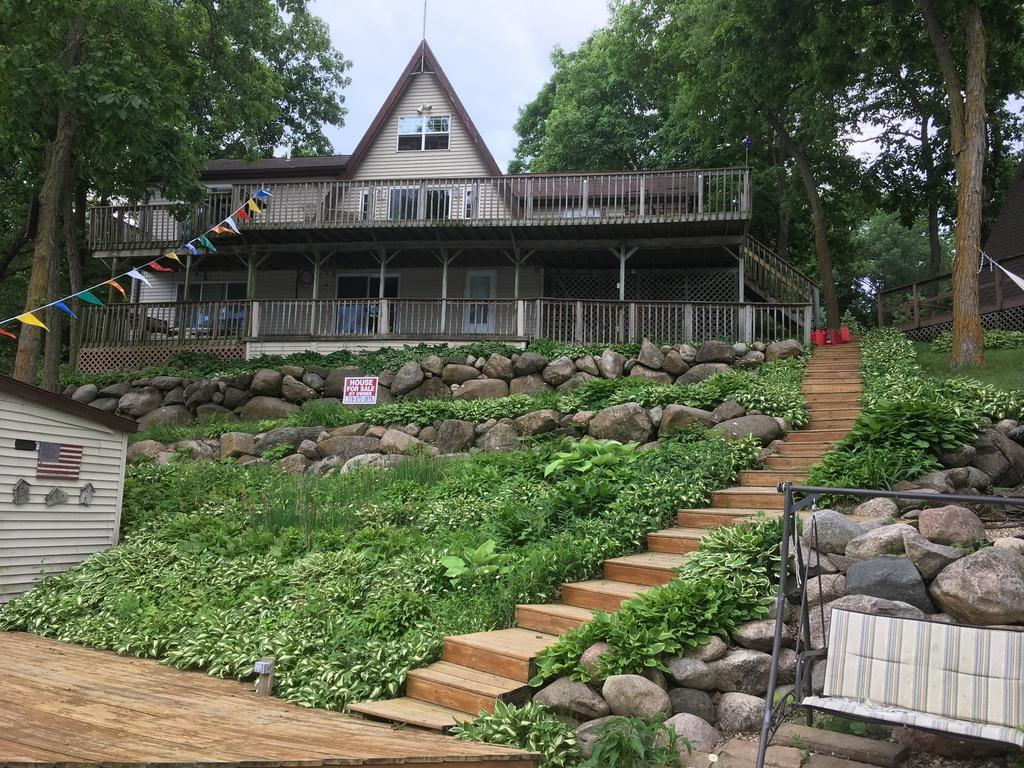 3022 Lakeshore, Brooklyn, Iowa 52211-3331, 5 Bedrooms Bedrooms, ,1 BathroomBathrooms,Single Family,For Sale,Lakeshore,5485578