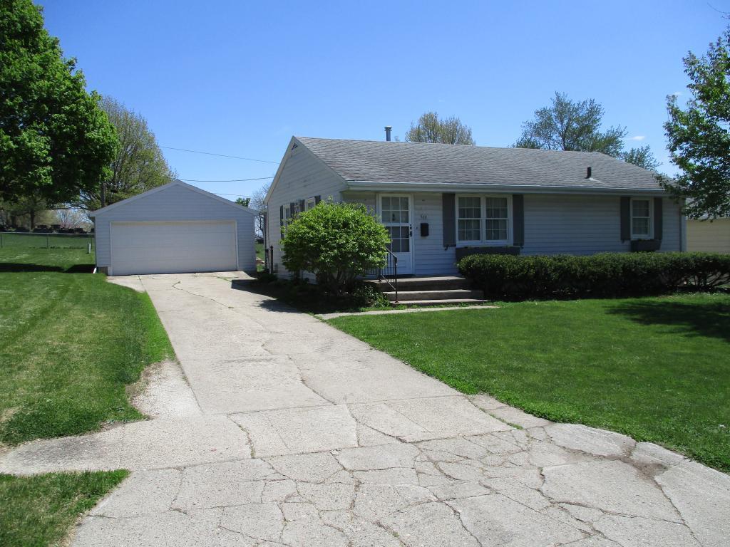 513 Walnut, Carroll, Iowa 51401-3149, 3 Bedrooms Bedrooms, ,2 BathroomsBathrooms,Single Family,For Sale,Walnut,5563580