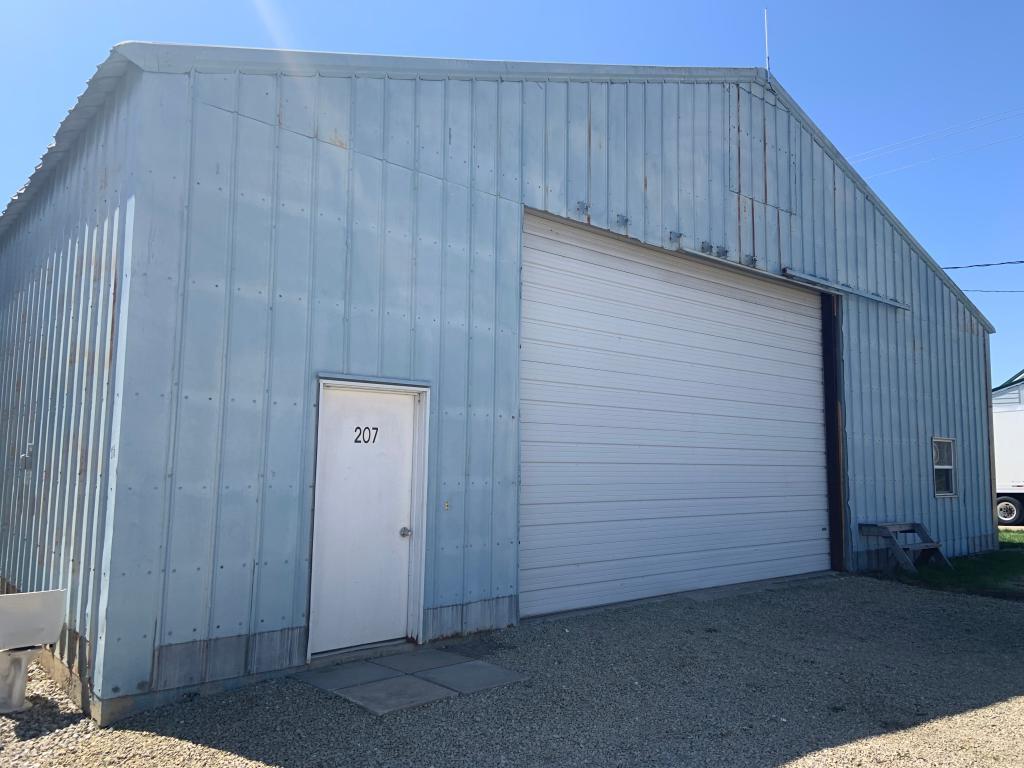 207 Collins, Batavia, Iowa 52533-0116, ,Commercial (5+ Units),For Sale,Collins,5565599