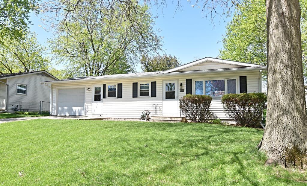 1209 Fairmeadows, Marshalltown, Iowa 50158-4055, 3 Bedrooms Bedrooms, ,1 BathroomBathrooms,Single Family,For Sale,Fairmeadows,5564600