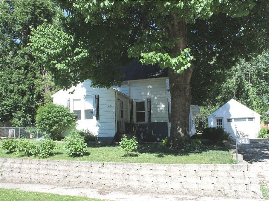 425 9th, Forest City, Iowa 50436-1304, 3 Bedrooms Bedrooms, ,1 BathroomBathrooms,Single Family,For Sale,9th,5568616