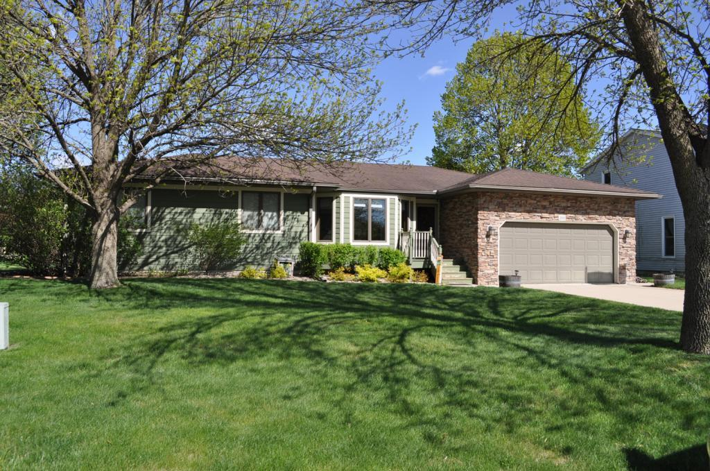 205 Yorktown Pike, Mason City, Iowa 50401-4520, 4 Bedrooms Bedrooms, ,3 BathroomsBathrooms,Single Family,For Sale,Yorktown Pike,5564652