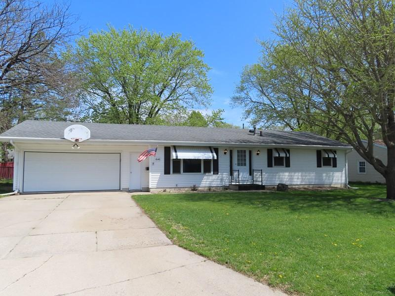 1646 8th, Mason City, Iowa 50401-4712, 3 Bedrooms Bedrooms, ,1 BathroomBathrooms,Single Family,For Sale,8th,5567655