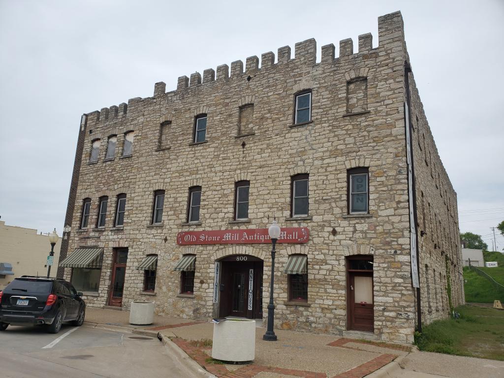 800 Jefferson, Burlington, Iowa 52601-5432, ,Commercial (5+ Units),For Sale,Jefferson,5565656
