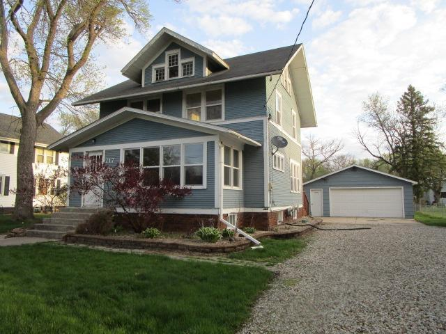 717 3rd, Eagle Grove, Iowa 50533-1011, 4 Bedrooms Bedrooms, ,1 BathroomBathrooms,Single Family,For Sale,3rd,5567701
