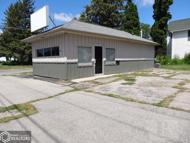 415 6th, Grinnell, Iowa 50112, ,Commercial (5+ Units),For Sale,6th,5467711
