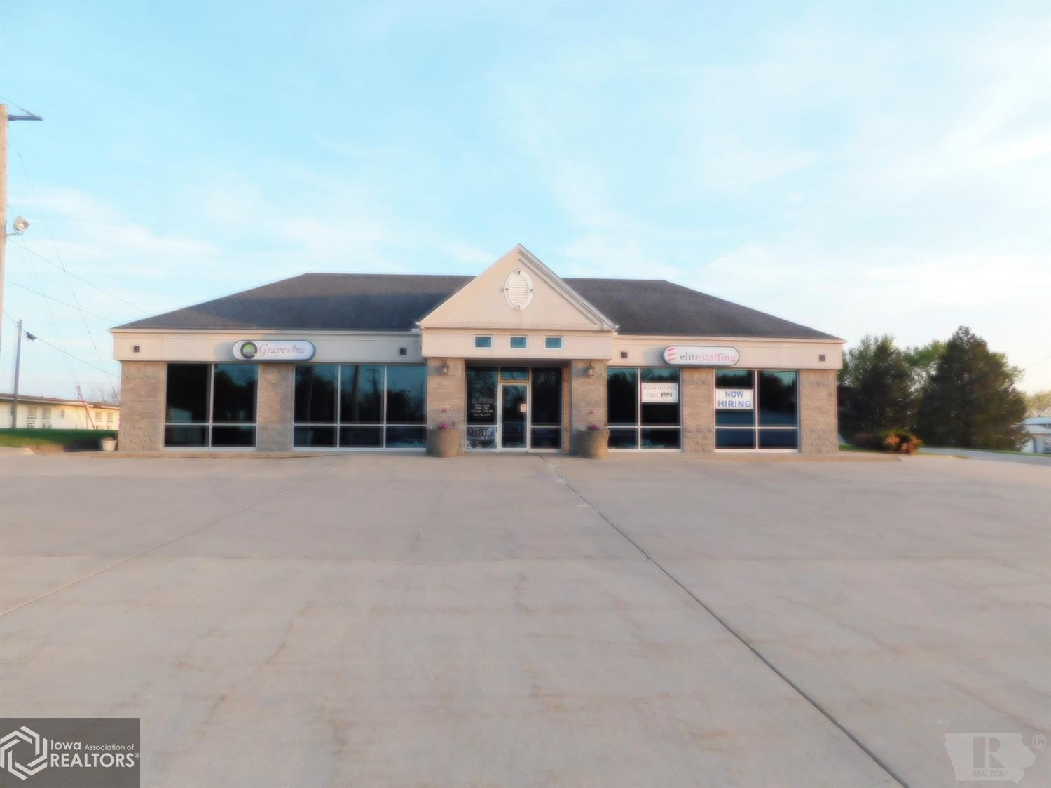 100 Taylor, Creston, Iowa 50801, ,Commercial (5+ Units),For Sale,Taylor,5564714