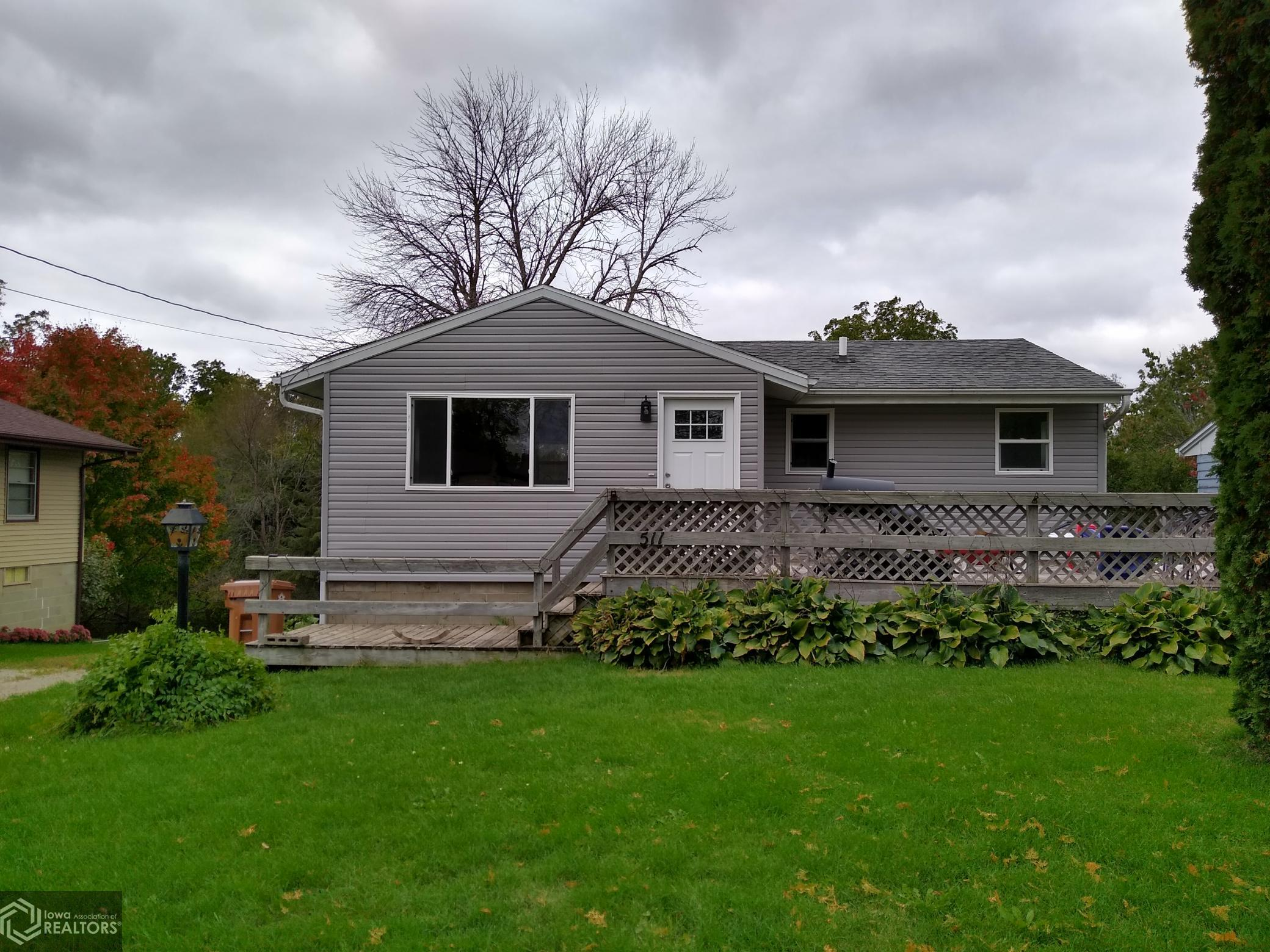 511 Center, Grinnell, Iowa 50112-0304, 3 Bedrooms Bedrooms, ,1 BathroomBathrooms,Single Family,For Sale,Center,5667715
