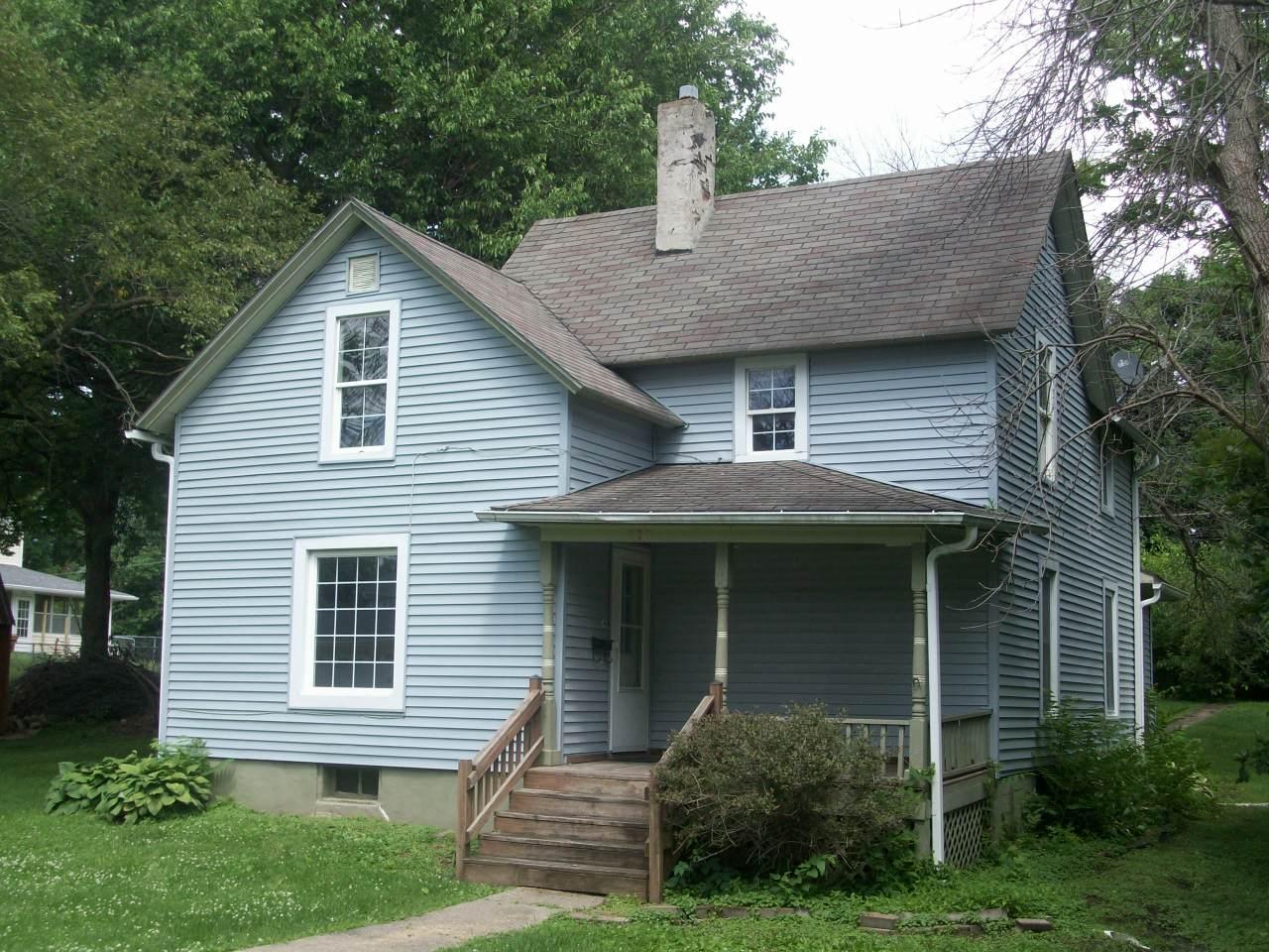 820 Elm, Grinnell, Iowa 50112-1032, 3 Bedrooms Bedrooms, ,1 BathroomBathrooms,Single Family,For Sale,Elm,5613725