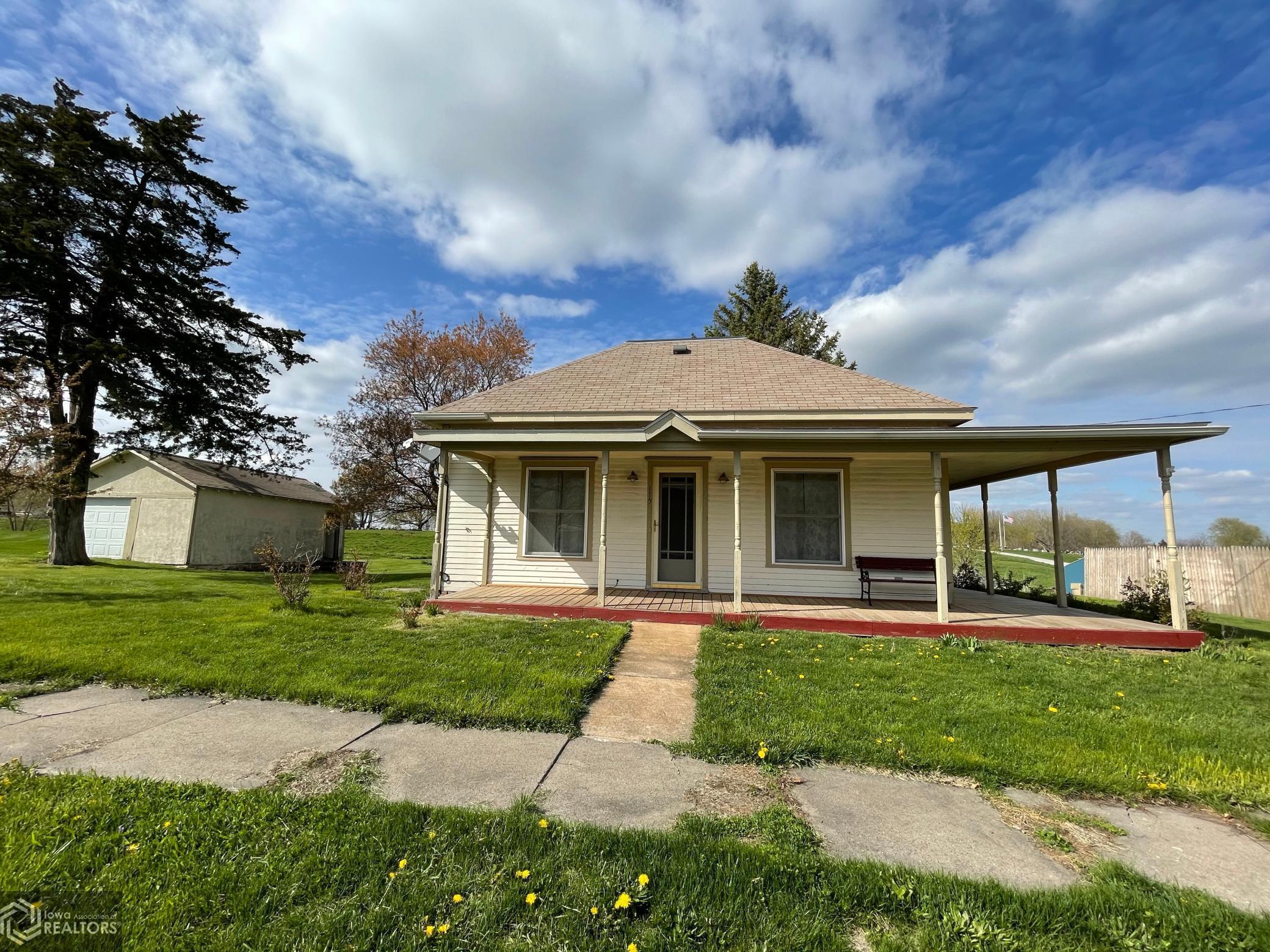 115 Main, Exline, Iowa 52555-8034, 2 Bedrooms Bedrooms, ,1 BathroomBathrooms,Single Family,For Sale,Main,5740728