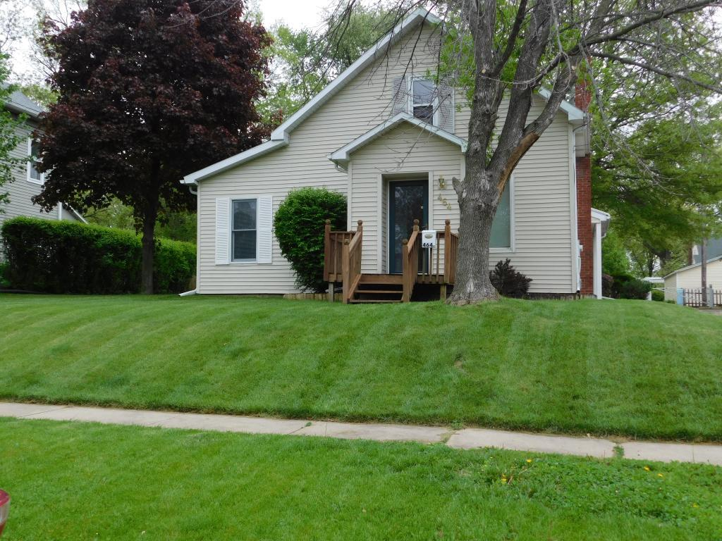 464 9th, Oskaloosa, Iowa 52577-2342, 2 Bedrooms Bedrooms, ,1 BathroomBathrooms,Single Family,For Sale,9th,5568736