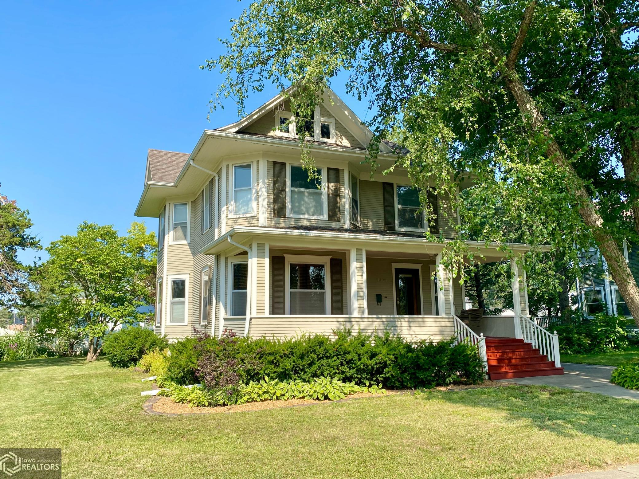 1305 Summer, Grinnell, Iowa 50112-1549, 4 Bedrooms Bedrooms, ,2 BathroomsBathrooms,Single Family,For Sale,Summer,6083752