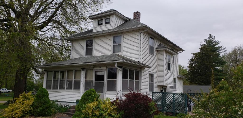 201 3rd St., Oquawka, Illinois 61469, 4 Bedrooms Bedrooms, ,2 BathroomsBathrooms,Single Family,For Sale,3rd St.,5566772