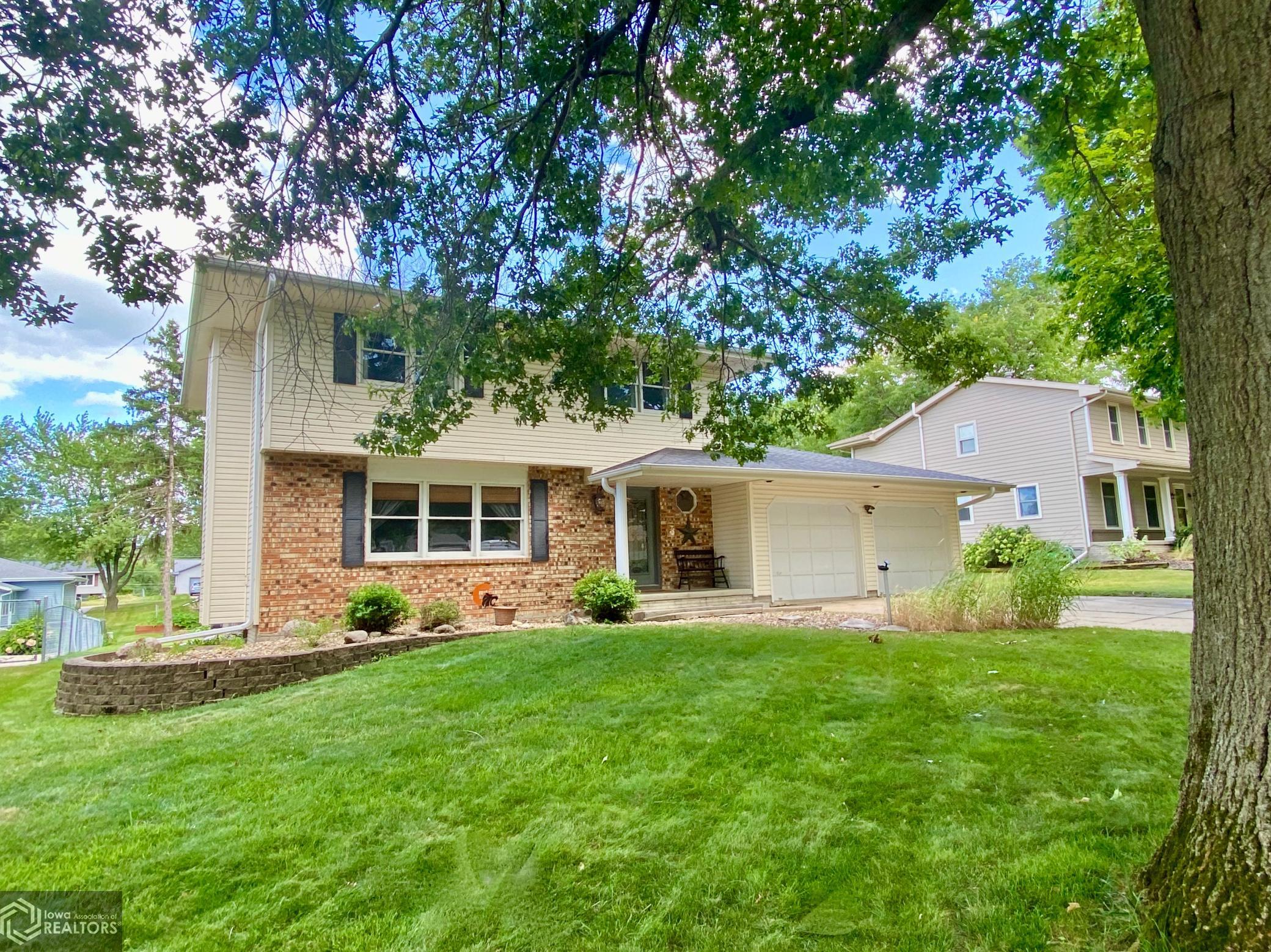 1828 Prairie, Grinnell, Iowa 50112-1022, 4 Bedrooms Bedrooms, ,1 BathroomBathrooms,Single Family,For Sale,Prairie,5699786