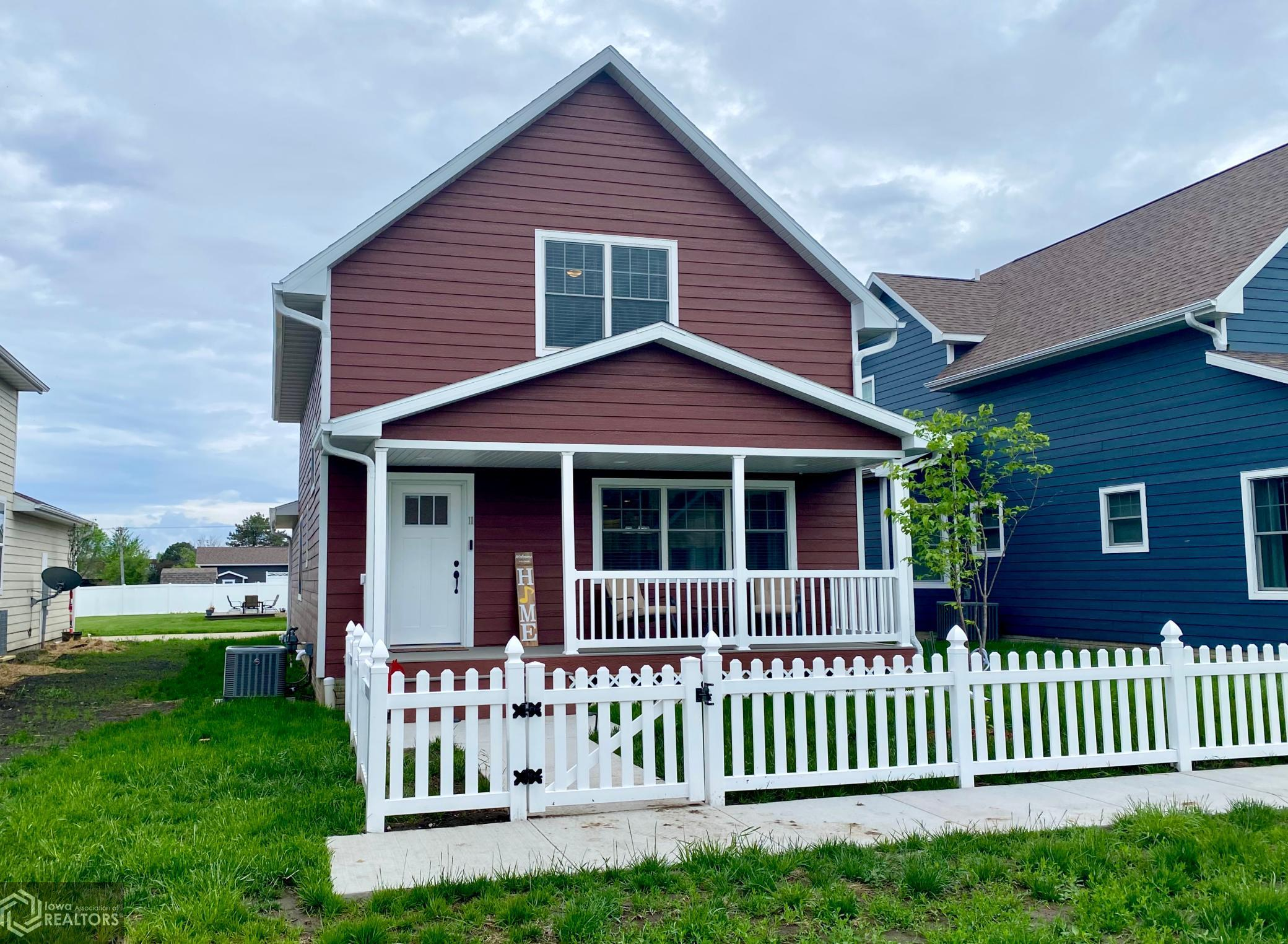 11 Garden Cottage, Grinnell, Iowa 50112-2302, 3 Bedrooms Bedrooms, ,1 BathroomBathrooms,Single Family,For Sale,Garden Cottage,5761801