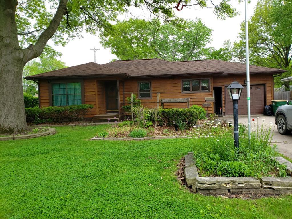 308 Fillmore, Fairfield, Iowa 52556-3830, 2 Bedrooms Bedrooms, ,2 BathroomsBathrooms,Single Family,For Sale,Fillmore,5568808