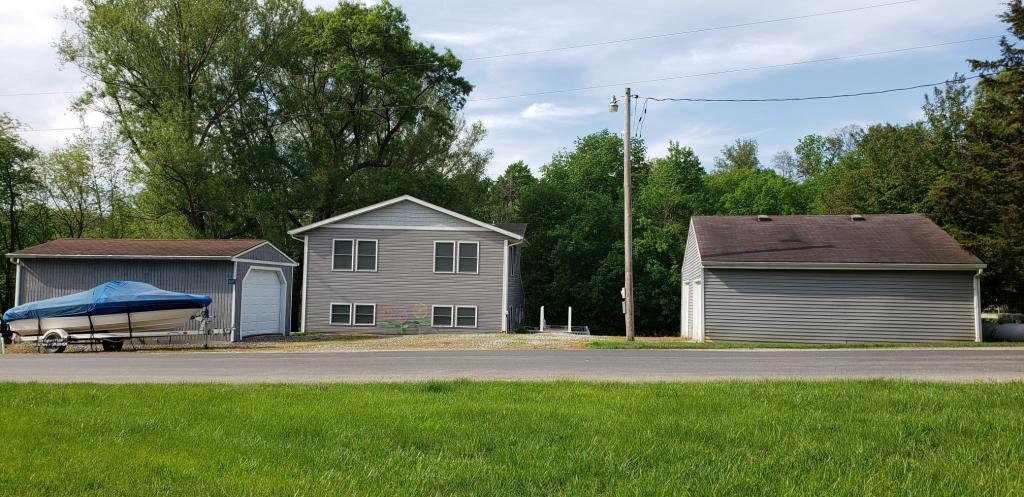 4203 Lakeshore, Brooklyn, Iowa 52211, 6 Bedrooms Bedrooms, ,1 BathroomBathrooms,Single Family,For Sale,Lakeshore,5571811