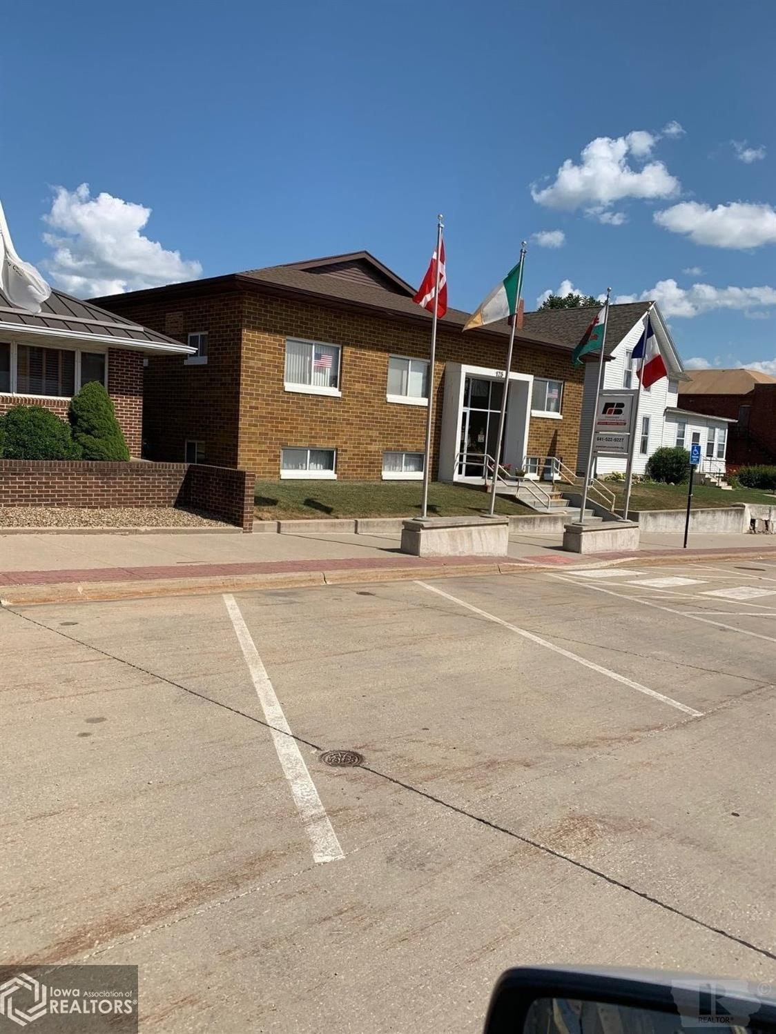 125 Jackson, Brooklyn, Iowa 52211, ,Commercial (5+ Units),For Sale,Jackson,5467827