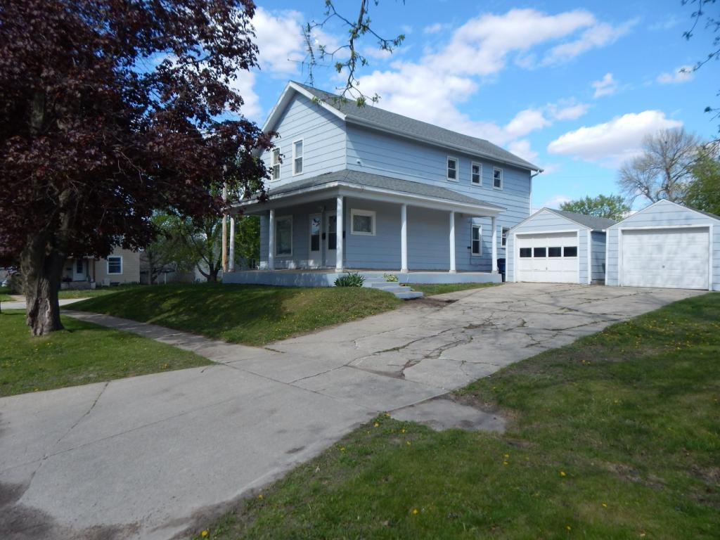 1103 15th St., Eldora, Iowa 50627, 3 Bedrooms Bedrooms, ,Multi-family (2-4 Units),For Sale,15th St.,5564832