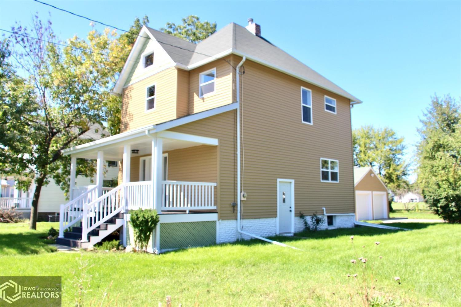 1839 6th, Grinnell, Iowa 50112, 3 Bedrooms Bedrooms, ,1 BathroomBathrooms,Single Family,For Sale,6th,6011862