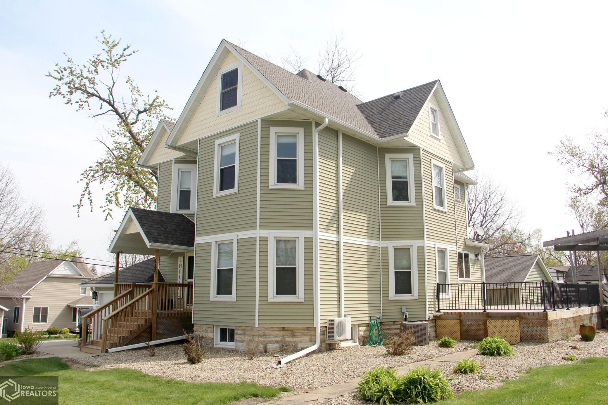 932 Reed, Grinnell, Iowa 50112-1867, 3 Bedrooms Bedrooms, ,2 BathroomsBathrooms,Single Family,For Sale,Reed,5748872