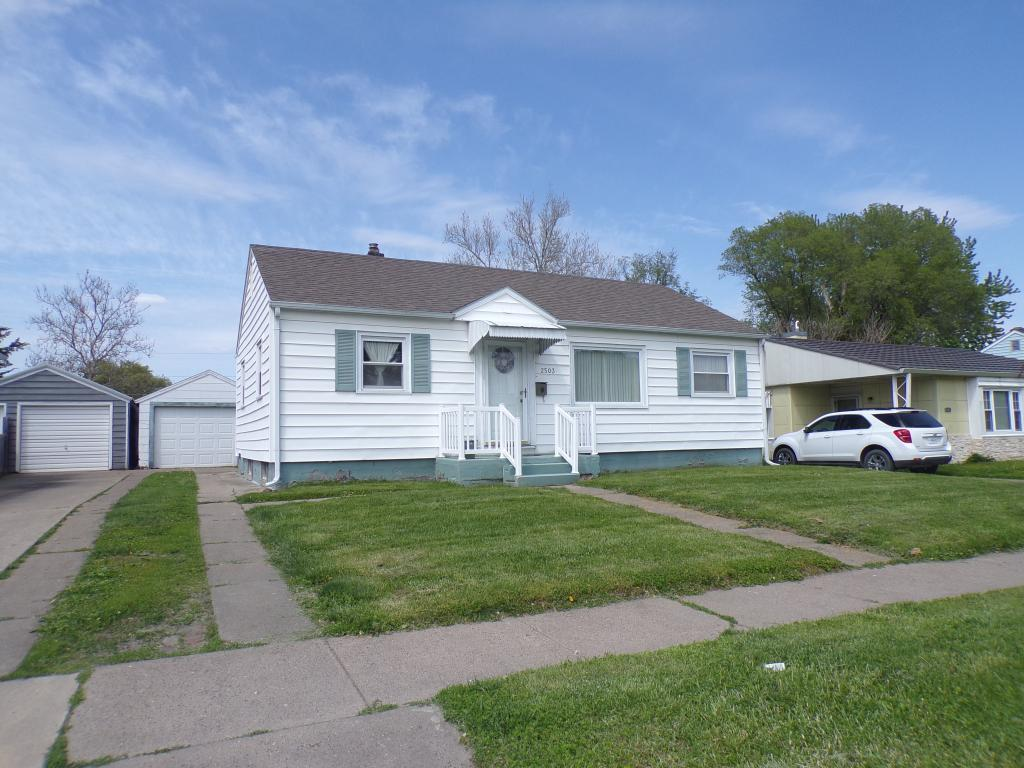 2503 Avenue G, Fort Madison, Iowa 52627, 2 Bedrooms Bedrooms, ,1 BathroomBathrooms,Single Family,For Sale,Avenue G,5564875