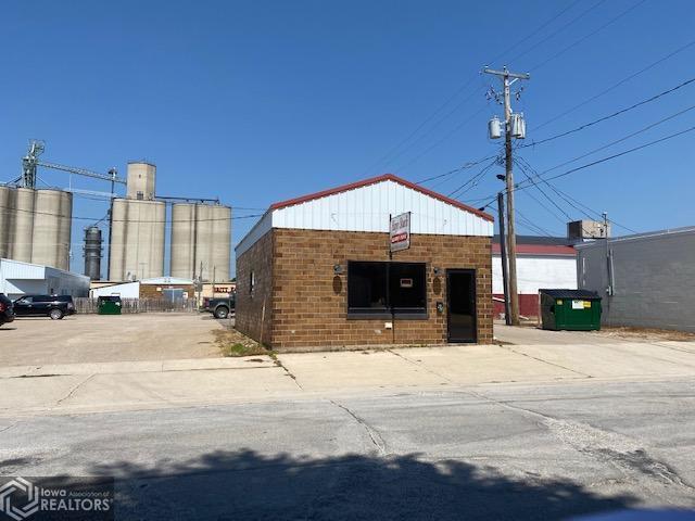 62 1st, Britt, Iowa 50423-1136, ,Commercial (5+ Units),For Sale,1st,6113875