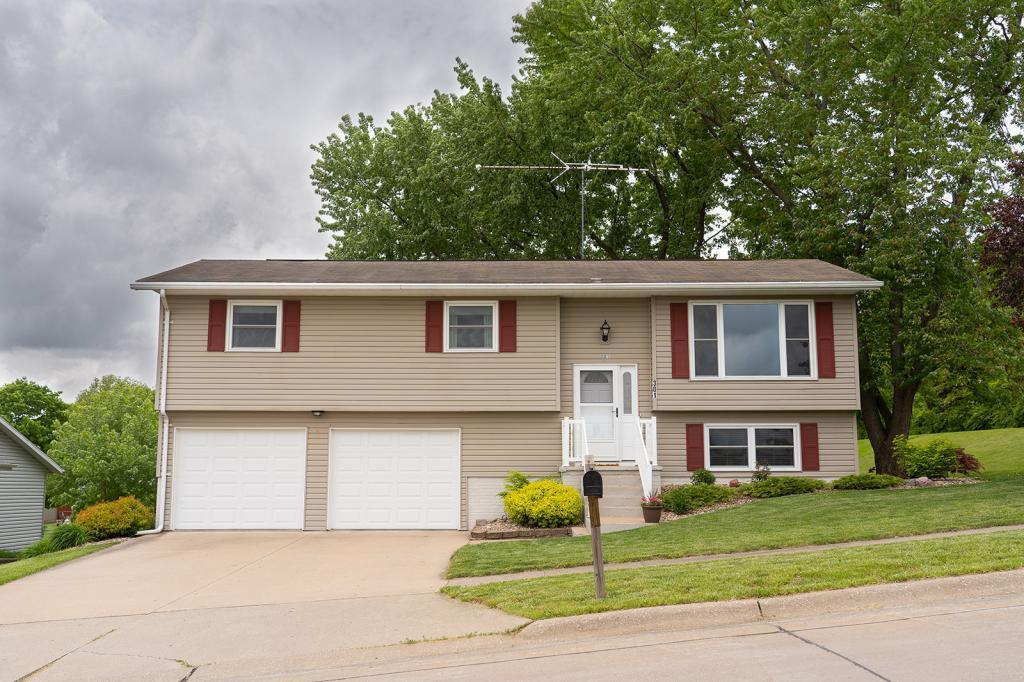301 33rd Street, Fort Madison, Iowa 52627, 3 Bedrooms Bedrooms, ,1 BathroomBathrooms,Single Family,For Sale,33rd Street,5567876