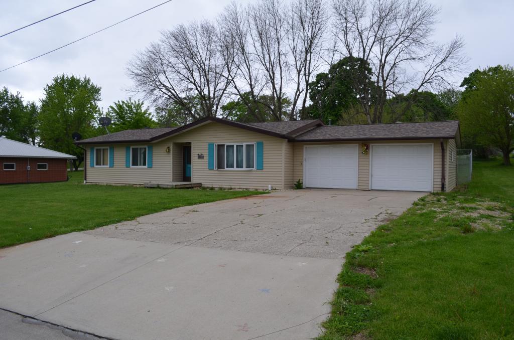 620 Stuart, Sigourney, Iowa 52591-1332, 4 Bedrooms Bedrooms, ,1 BathroomBathrooms,Single Family,For Sale,Stuart,5568884