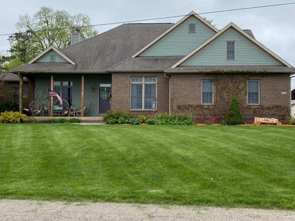 312 7th, State Center, Iowa 50247-1015, 4 Bedrooms Bedrooms, ,3 BathroomsBathrooms,Single Family,For Sale,7th,5568903