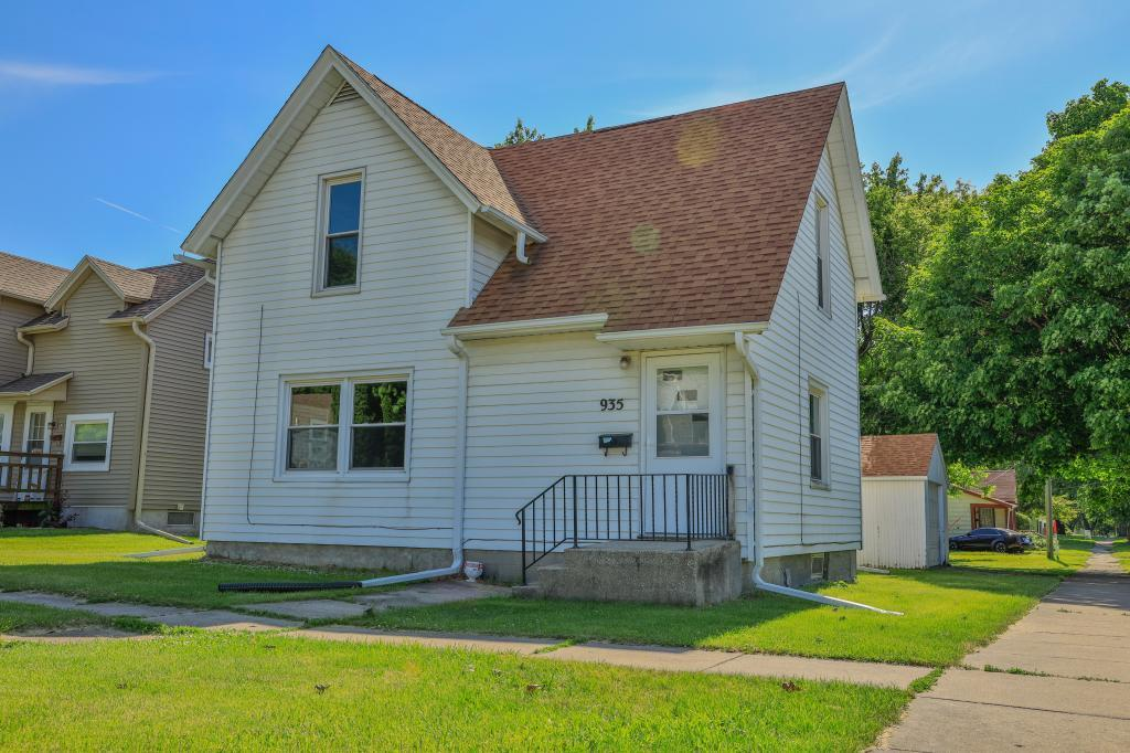 935 Spring, Grinnell, Iowa 50112-1940, 3 Bedrooms Bedrooms, ,1 BathroomBathrooms,Single Family,For Sale,Spring,5608916