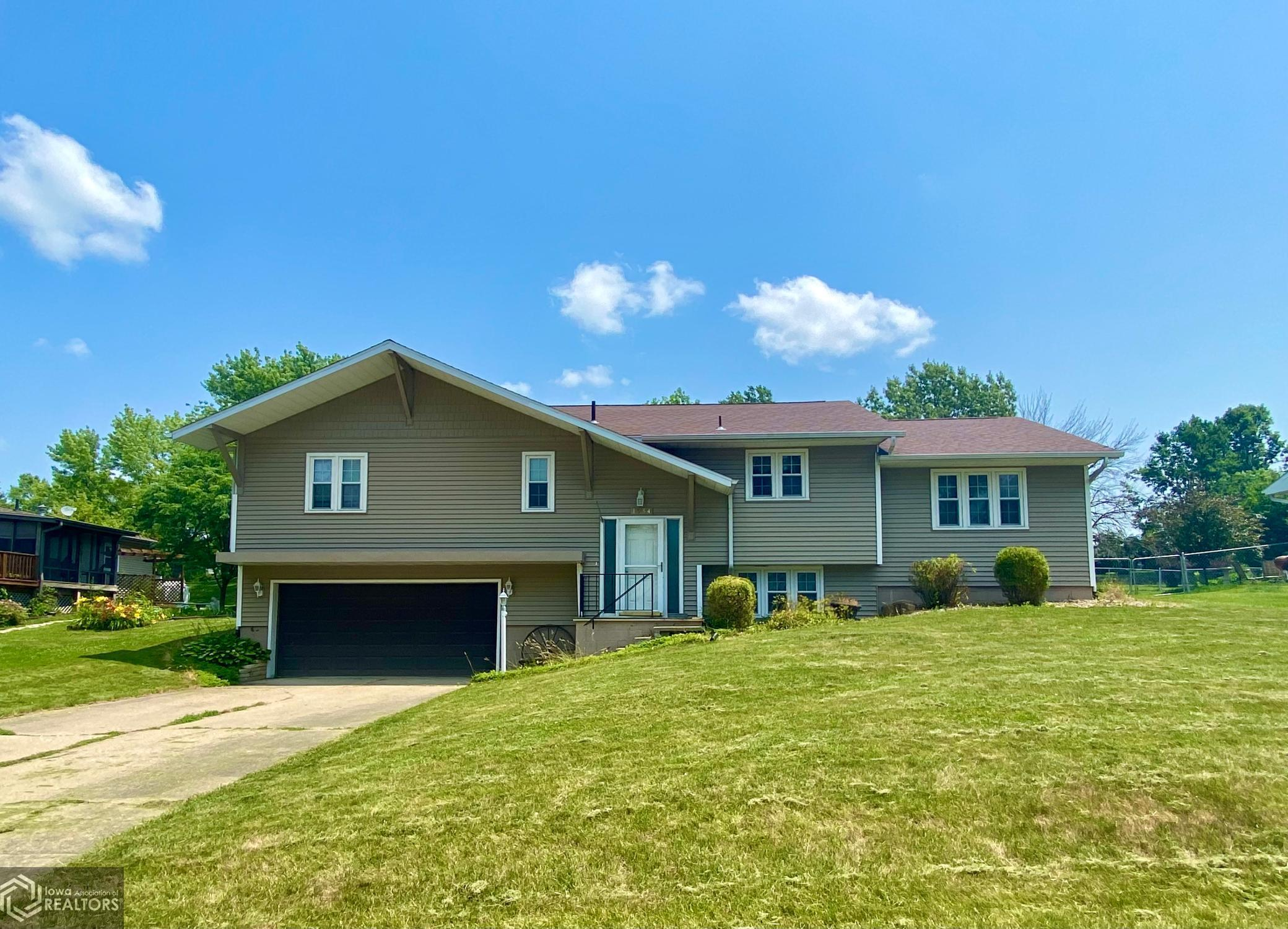 1934 Spencer, Grinnell, Iowa 50112-1034, 3 Bedrooms Bedrooms, ,1 BathroomBathrooms,Single Family,For Sale,Spencer,6019919