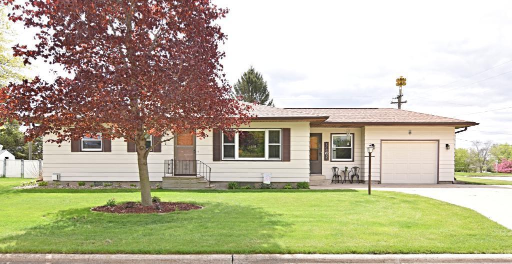 703 Circle, Conrad, Iowa 50621-0623, 3 Bedrooms Bedrooms, ,1 BathroomBathrooms,Single Family,For Sale,Circle,5564943