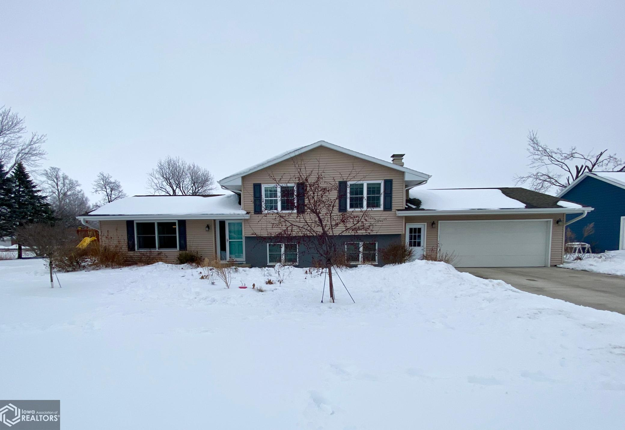3 Spring, Grinnell, Iowa 50112-1038, 4 Bedrooms Bedrooms, ,1 BathroomBathrooms,Single Family,For Sale,Spring,5698946